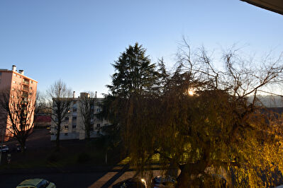 BILLERE, T3 AVEC TERRASSE, GARAGE, PARKING ET CAVE